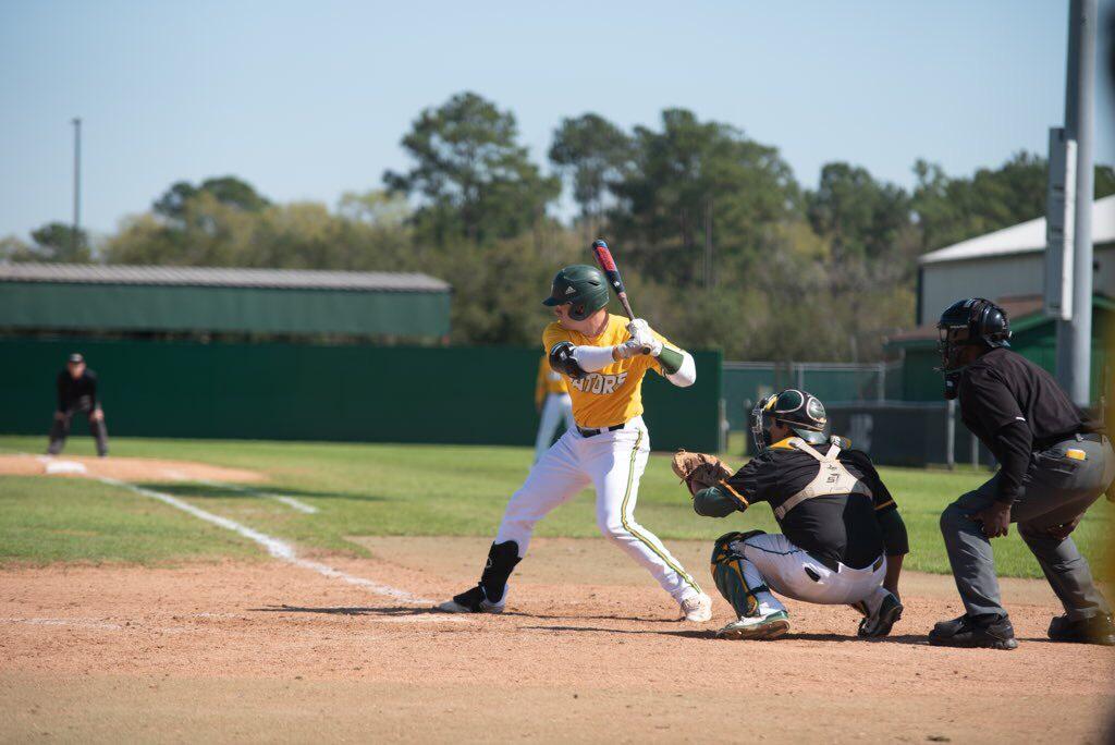 Houston Cougars signee Cole Turney bats for the SanJac Gators